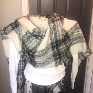 Accessories - Winter scarf